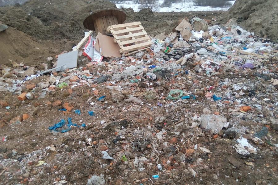 Снова поехал мусор на незаконную свалку около р. Пехорка и МСЗ-4